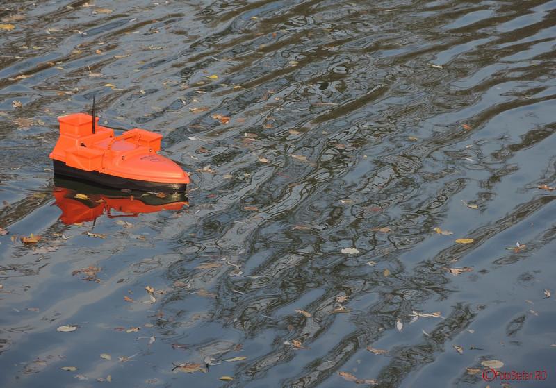 fotografii vaporas telecomandat lac parcul carol bucuresti