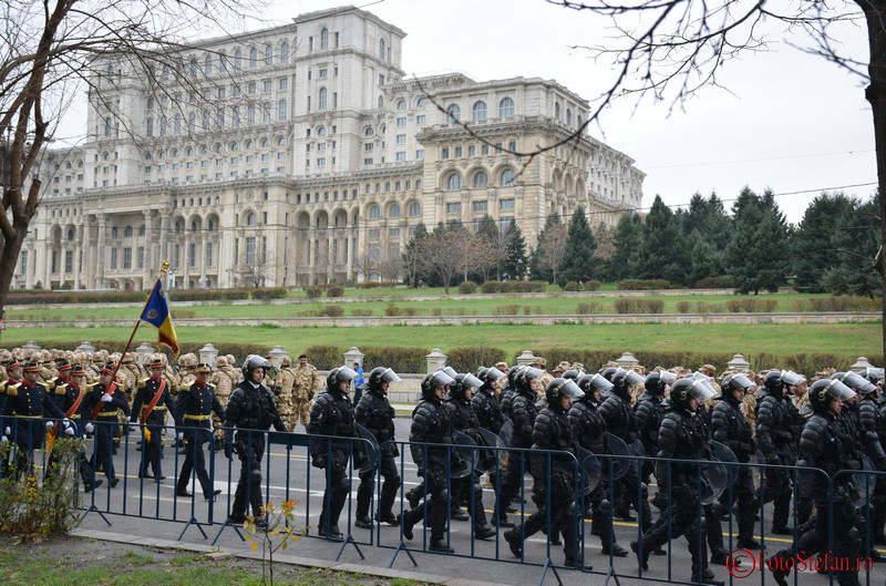 poze Repetitii pentru parada militara de 1 Decembrie Ziua Nationala a Romaniei