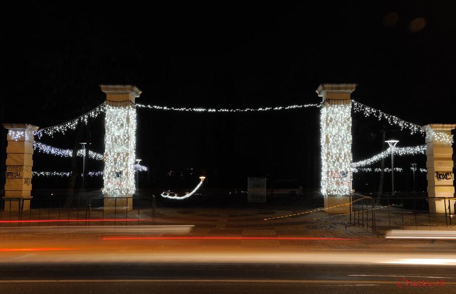 beculete luminite craciun parc alexandru ioan cuza cartier titan bucuresti