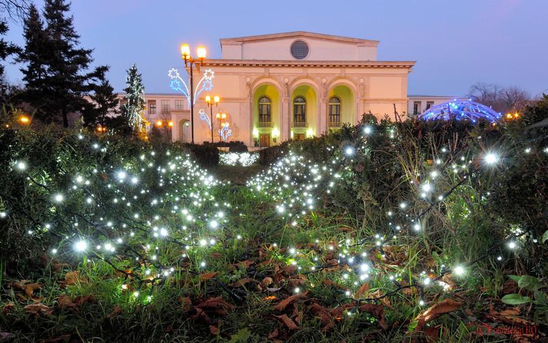fotografii Luminite de Craciun la Opera Romana din Bucuresti
