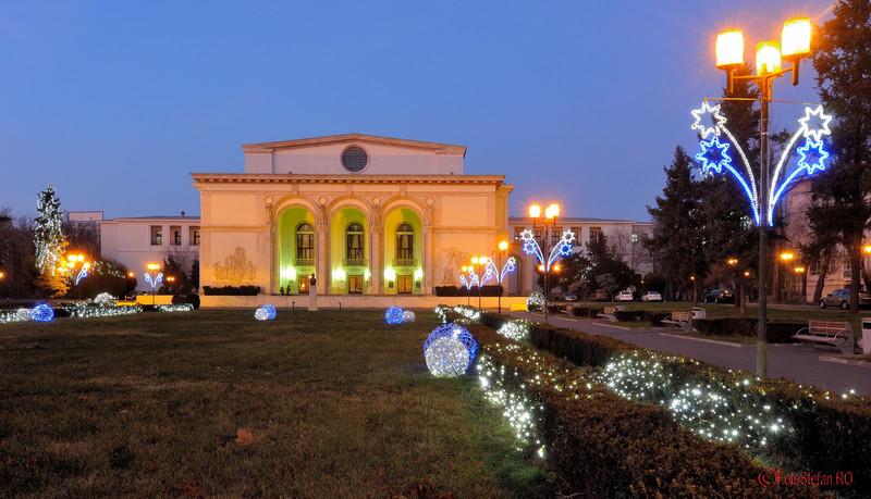 poze Luminite de Craciun la Opera Romana Bucuresti