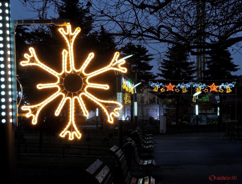 imagini luminite de Craciun in parcul Oraselul Copiilor Bucuresti sector 4