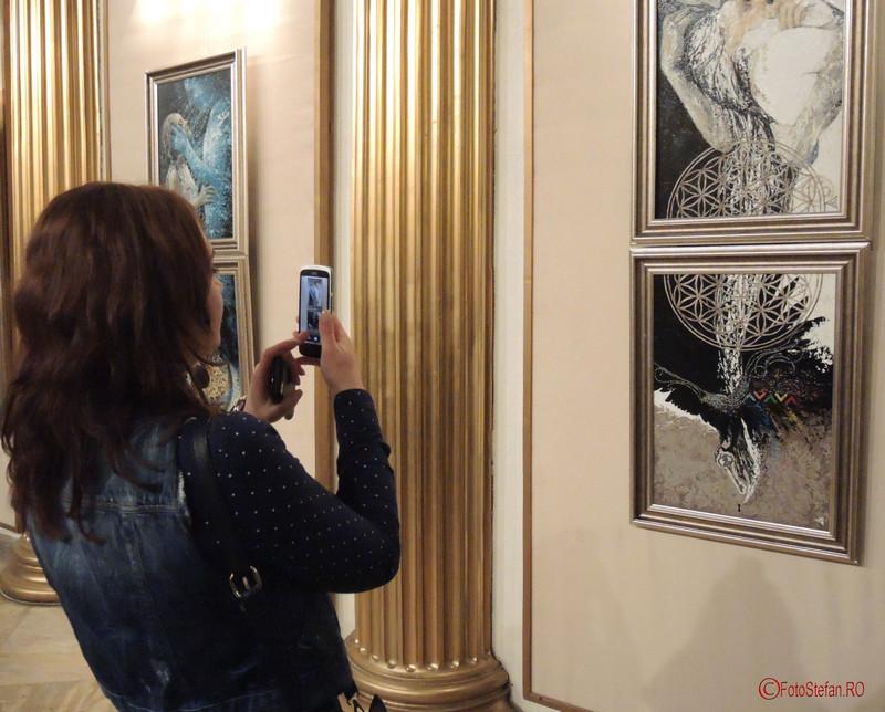 """foto Expozitia de pictura, gravura si sculptura """"Dual & Duel"""" a artistilor Eva Radu si ZuZu Caratanase ICR Bucuresti"""