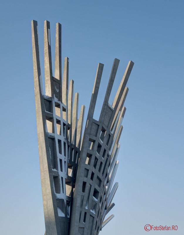 foto poza monument aripi bucuresti