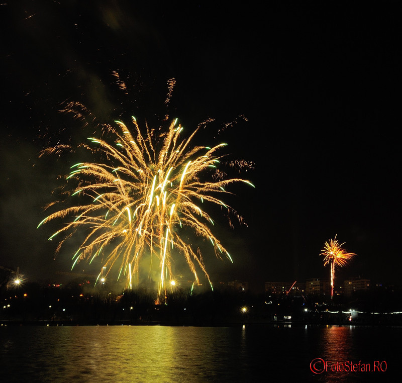 imagini focuri artificii revelion parct titan bucuresti