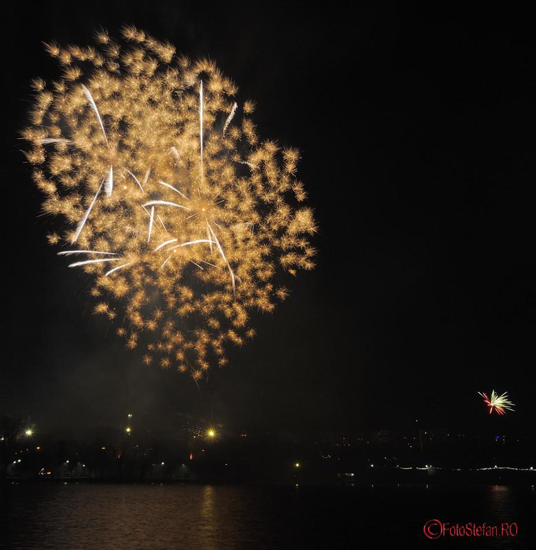 imagini focuri de artificii revelion parc alexandru ioan cuza bucuresti cartier titan
