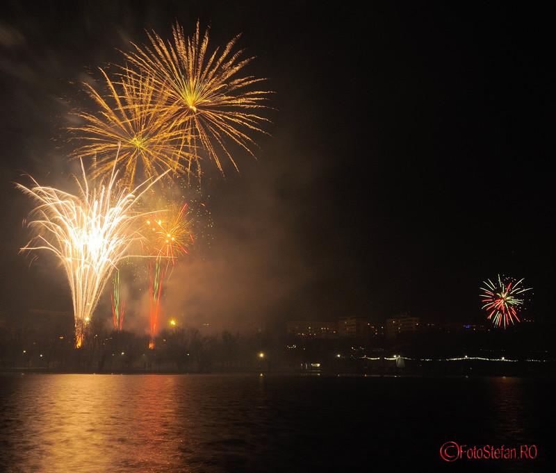 poze focuri de artificii revelion parc alexandru ioan cuza bucuresti cartier titan