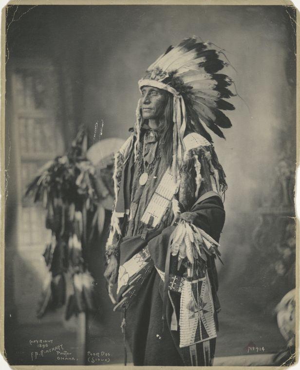 poza alb negru indian american