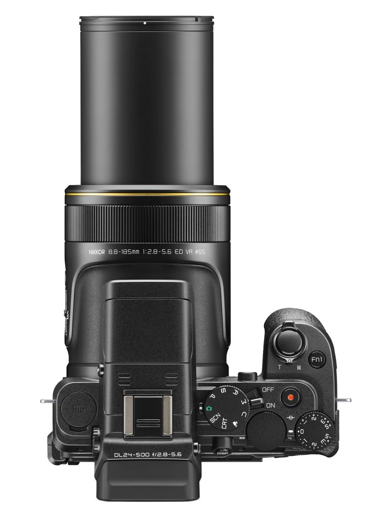 zoom Nikon DL24-500 f/2.8-5.6
