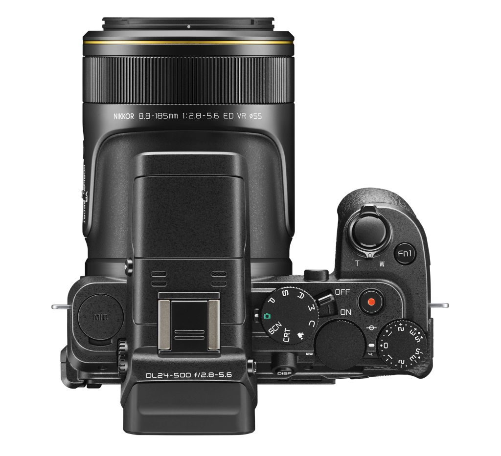 poza Nikon DL24-500 f/2.8-5.6