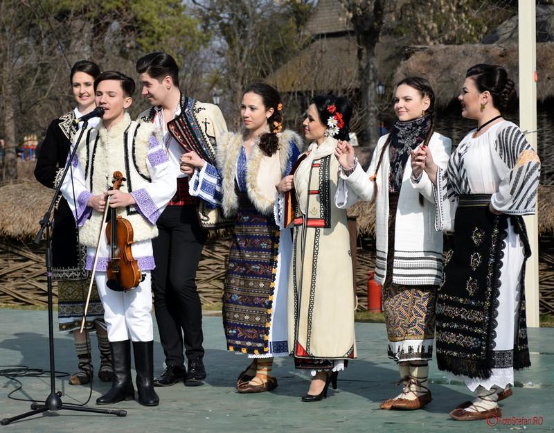 """poza grupul folcloric """"Ramuri de câtec"""" Bucureşti"""