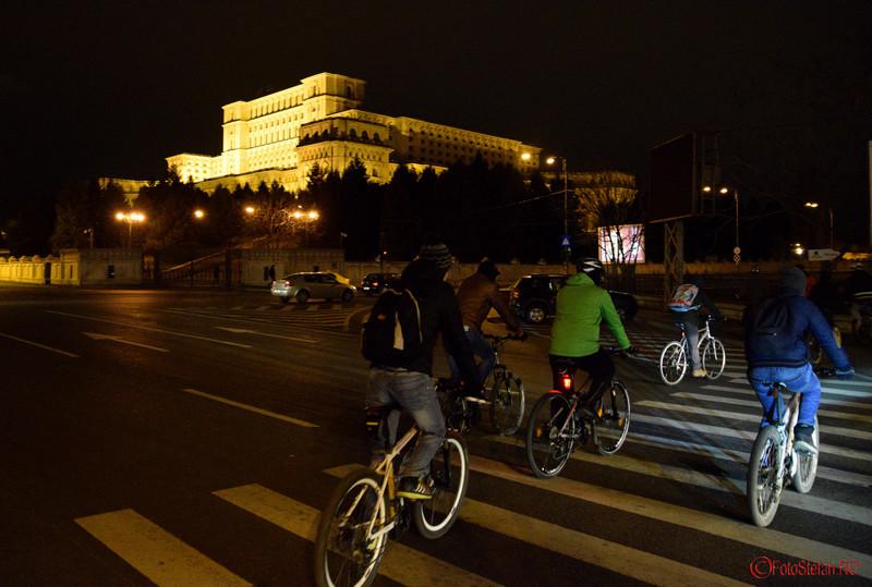 poza pregatire mars biciclisti ora pamantului bucuresti 2016