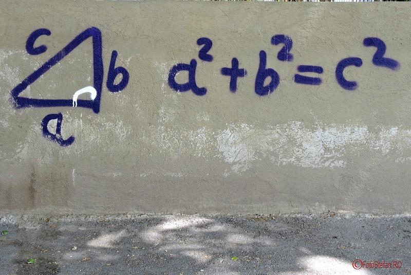 poza graffiti ecuatie