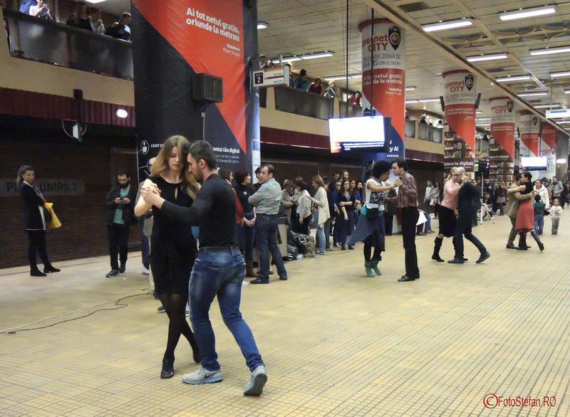 poze tango flashmob metrou unirii 1 bucuresti