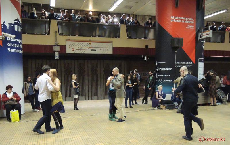 dansatori tango flashmob bucuresti metrou unirii 1