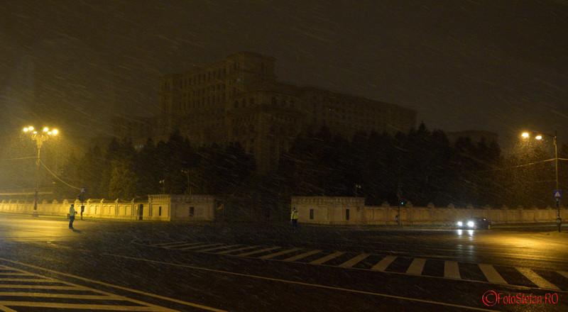 poza lumina stinsa casa poporului ora pamantului
