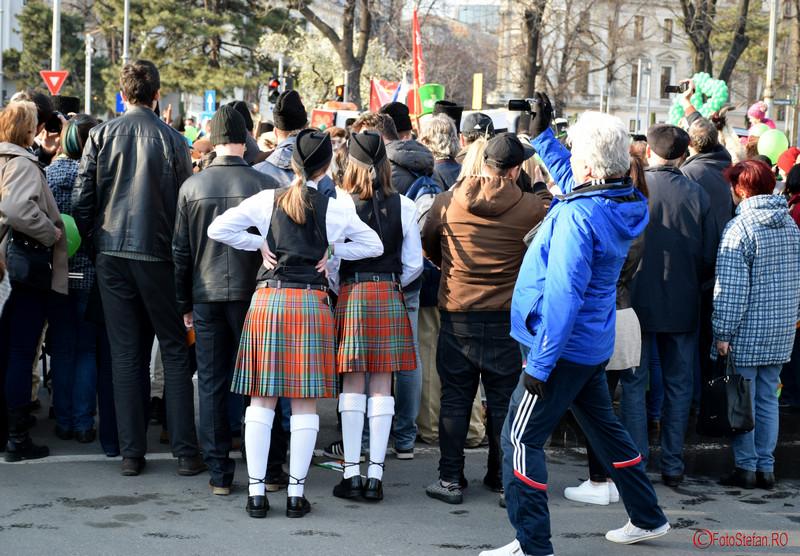 poza fete irlandeze parada sfantul Patrick Bucuresti martie 2016
