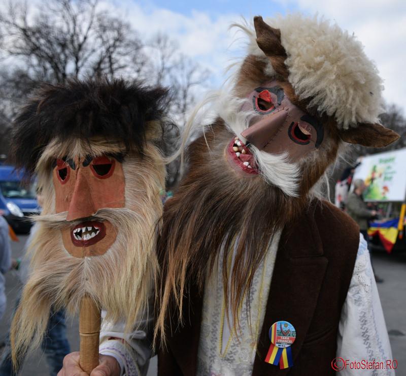 poza masca parada sfantul patrick bucuresti martie 2016