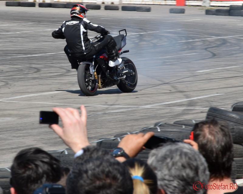poza mers pe ghidon motocicleta Angyal Zoltan la SAB 2016 Romexpo