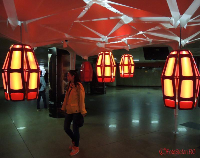 poza instalatie interactiva lalele lupta boala parkinson