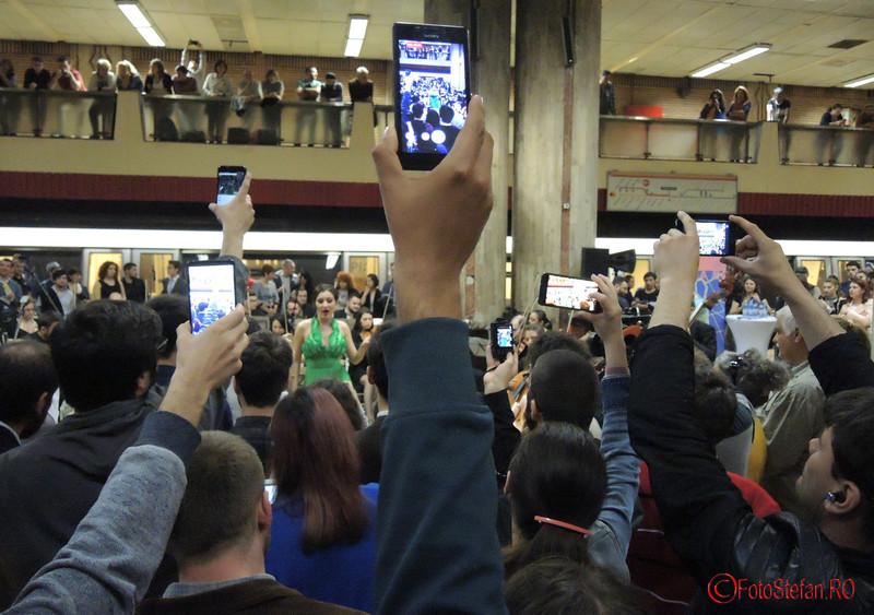 poze smartphon festival muzica clasica metrou bucuresti