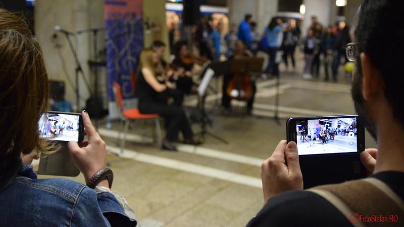 poze smartphone metrou bucuresti