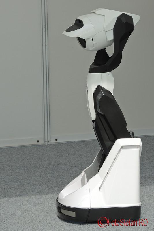 poza robot tipron