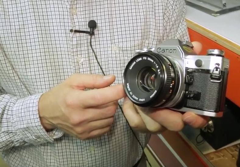 poza vechi aparat foto Canon