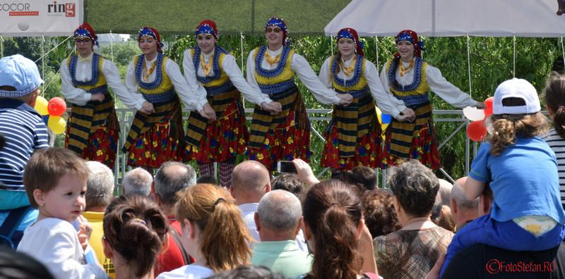 poza fete dansatoare festivalul turcesc bucuresti