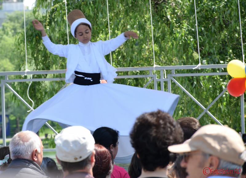 poza dervis rotitor festivalul turcesc