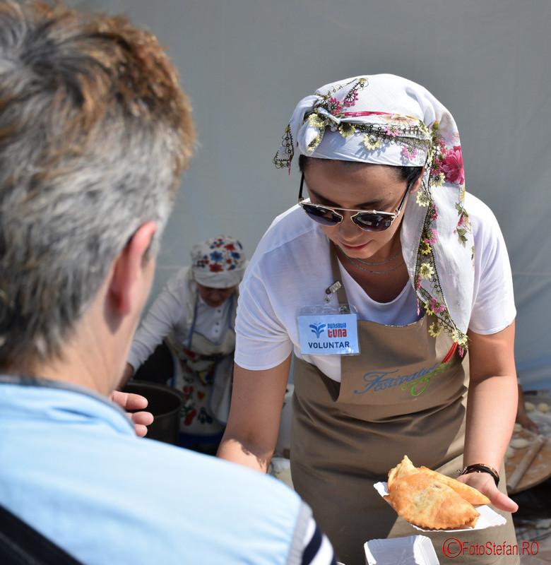 poza cumparator festivalul turcesc bucuresti