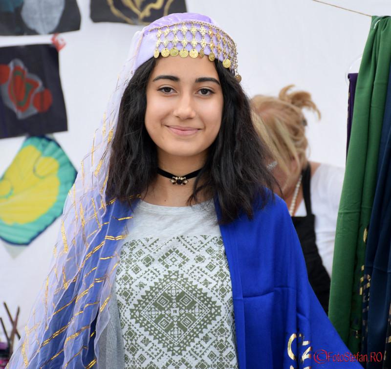 poza fata zambitoare festivalul turcesc