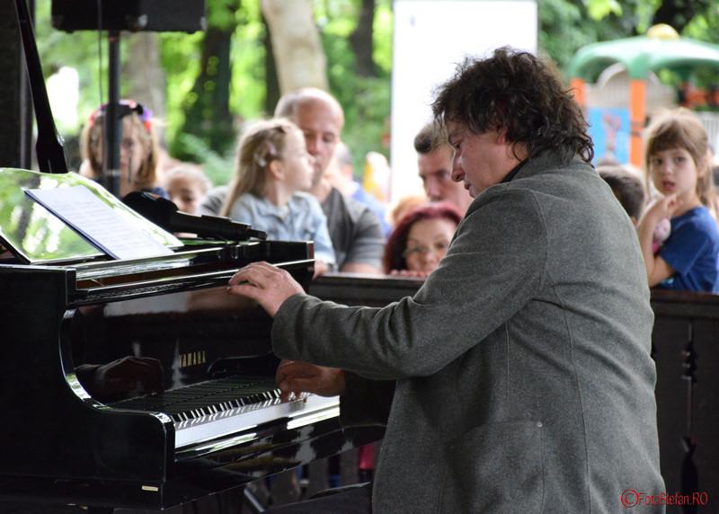 fotografii pianist horia mihail foisor parcul cismigiu bucuresti