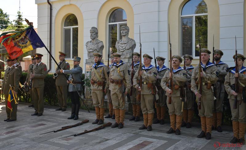 """foto soldati Zilele Muzeului Militar National """"Regele Ferdinand I"""" Bucuresti"""