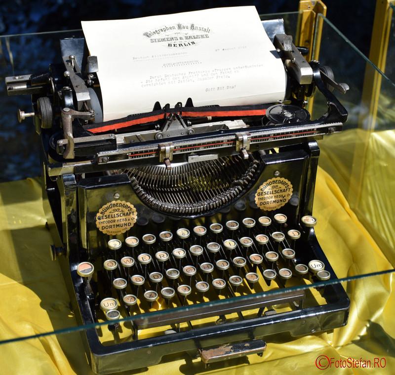 poza masina de scris mercedes muzeul militar bucuresti