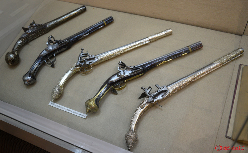 poze pistoale muzeul militar bucuresti