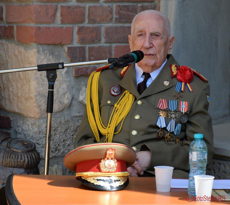 poza veteranul de război general (ret.) Daniel Pană