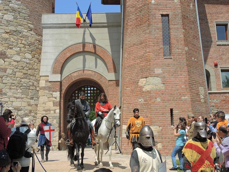 poza cavaleri castelul tepes bucuresti