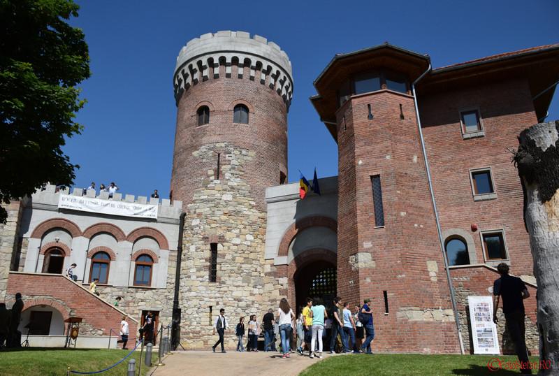fotografii castelulu tepes bucuresti