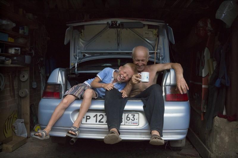 fotografie oameni rad portbagaj masina