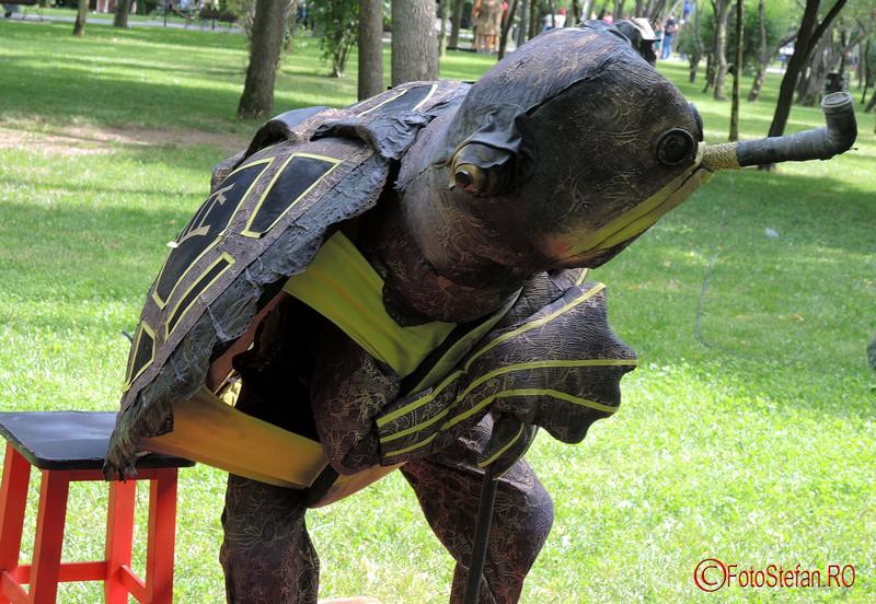 poza testoasa lyn pipa Festivalul International de Statui Vivante #fisv2016 Bucuresti parcul Titan