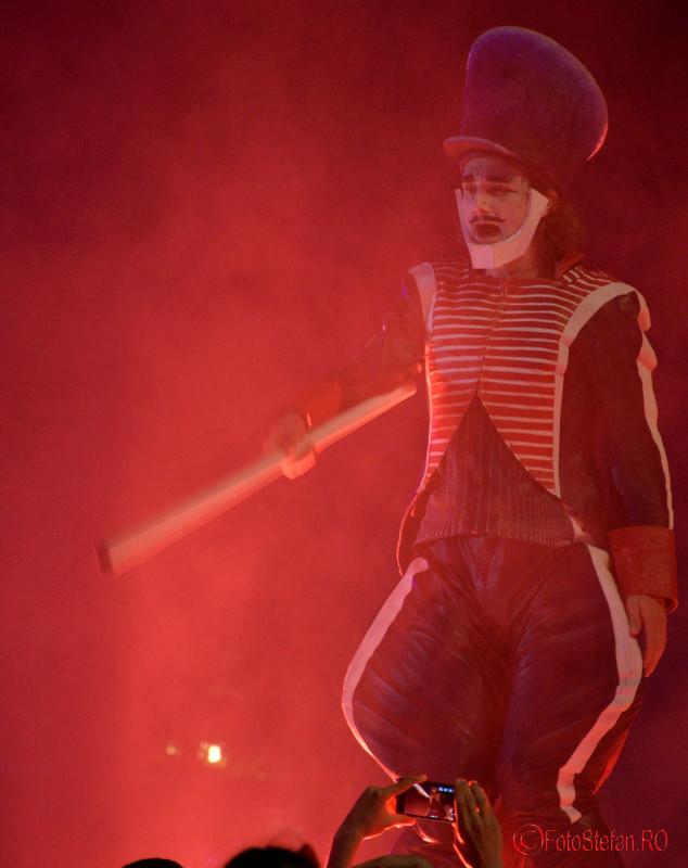 poze lumina fum Spectacolul Globe la Festivalul International de Teatru de Strada Bucuresti