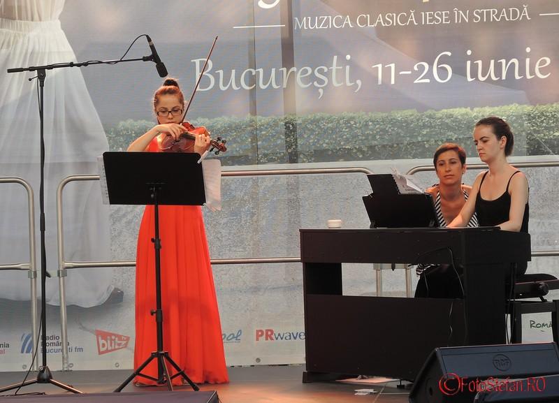 poza violonista Iolanta Eremia simfonii pe asfalt
