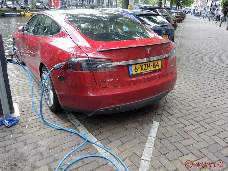 poza amsterdam masina electrica tesla s