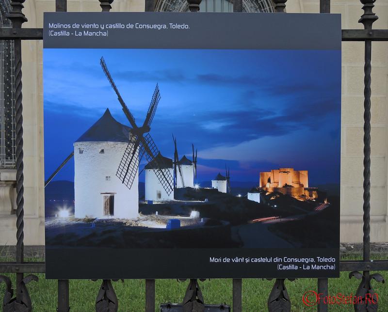 poza Mori de vant si castelul Consuegra Toledo Spania