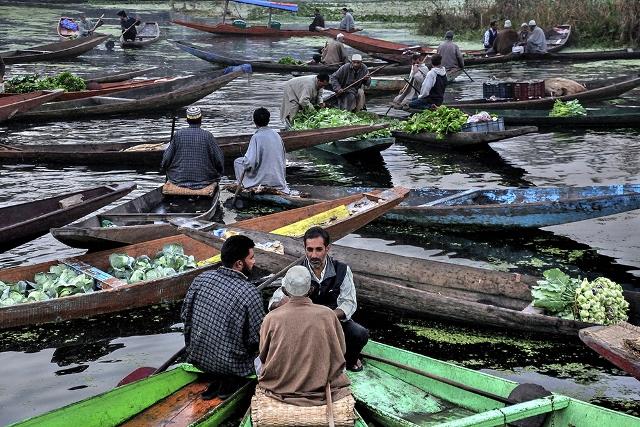 Debdatta Chakraborty poza india lacul Dal