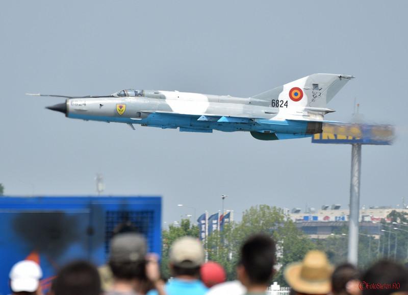 poza mig-21 lancer bucuresti show aviatic