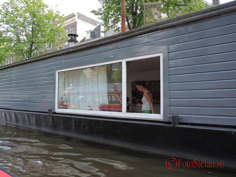 poza casa plutitoare locuita amsterdam
