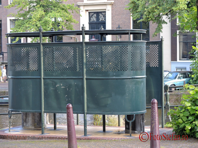 poza pisoar public amsterdam