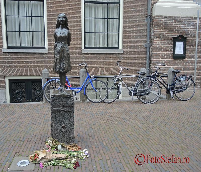 poza statuie Anne Frank amsterdam